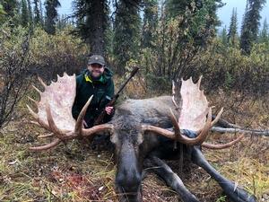 Exclusive Combo Hunt Alaska Moose & Arctic Grizzly